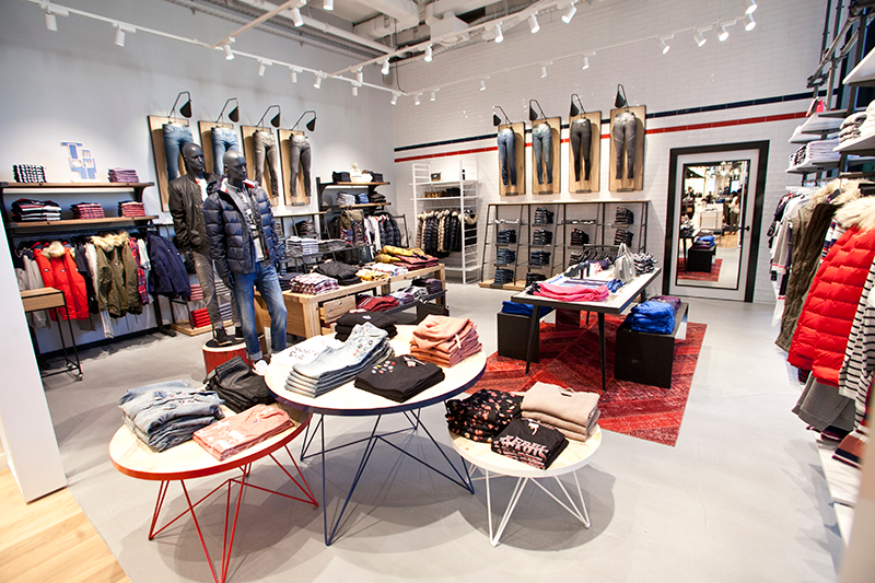 Spanning over 166 square meters, the store design reflects the TOMMY  HILFIGER global retail concept, which fuses the brand s heritage with  clean, ... 82889017afc7