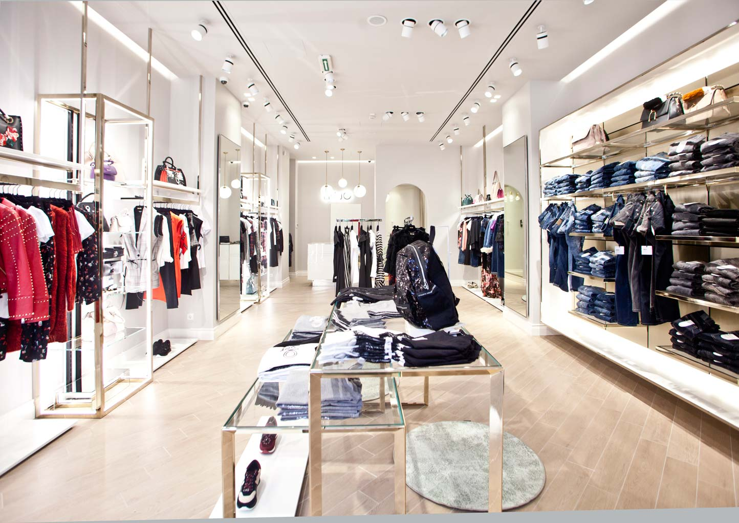arquitecto Collar lo mismo  Liu Jo opened the door of the first sophisticated store in Belgrade -  FashionCompany Corporate Site